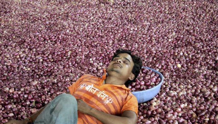 پیاز کی قیمت گرنے سے کسانوں کا احتجاج