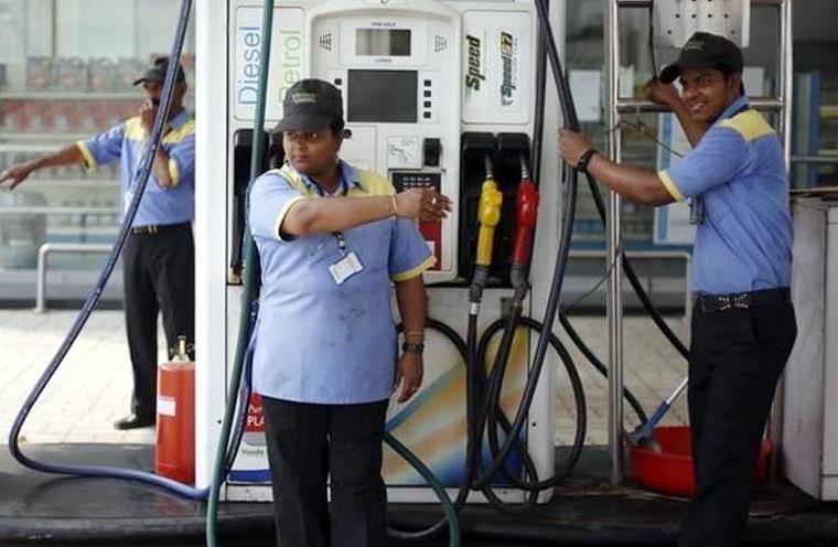 اچھی خبر: 2روپے تک سستا ہوسکتا ہے پیٹرول-ڈیزل،7 مہینے میں پہلی بار ہوگا سستا