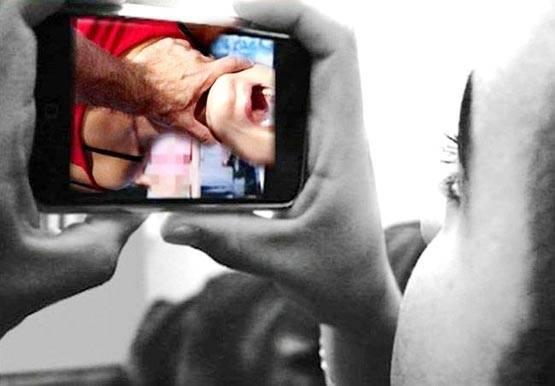 یوپی: علاج کرانے آئی خاتون کا ڈاکٹر نے کیا ریپ، بنایا ویڈیو