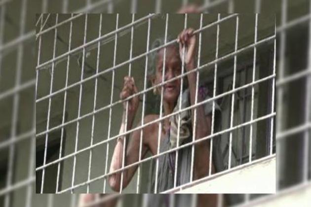 مغربی بنگال : بوڑھی ماں کو بیٹے اور بہو نے گھر میں کیا بند ، بھوک پیاس سے تڑپتی رہی اور پھر ...۔