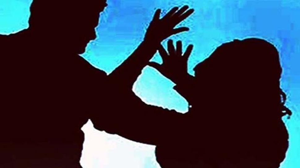 وشاکھاپٹنم: دن دھاڑے بیچ سڑک پر خاتون سے عصمت ریزی، نہیں آیا کوئی بچانے