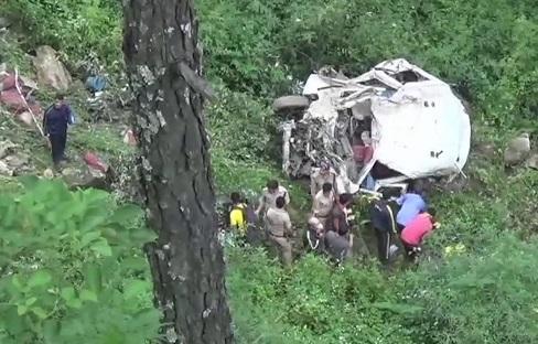 اتر کاشی میں ٹیمپو حادثے میں13 ہلاک،2 زخمی
