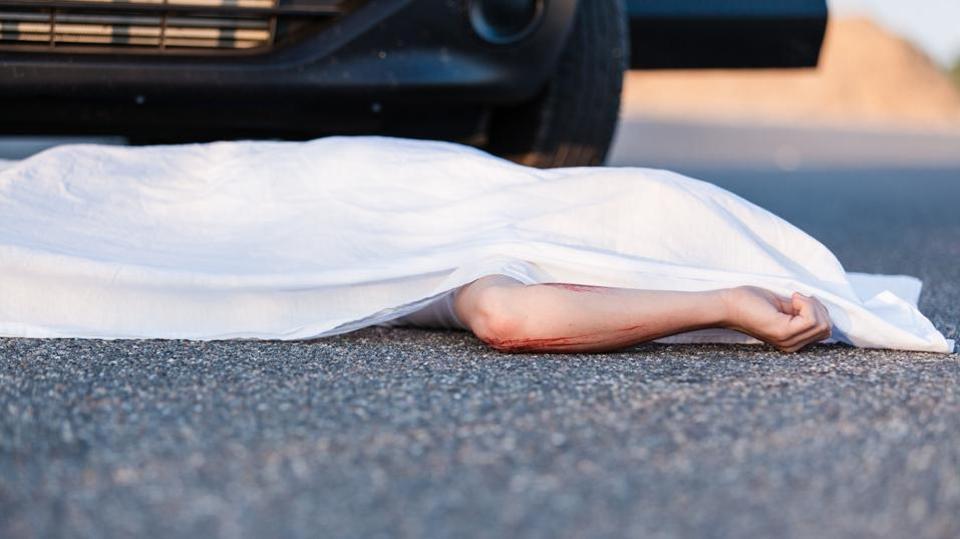 سڑک حادثات میں 11 افراد جاں بحق