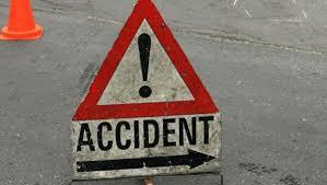 گجرات میں  دردناک سڑک حادثہ: 13 افراد ہلاک، 8 زخمی