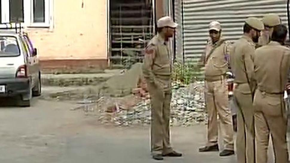 نقاب پوش مسلح شخص نے جموں و کشمیر میں بینک لوٹا