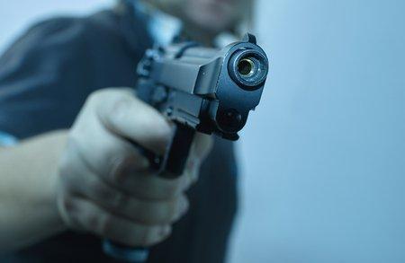 کونسلر کے مکان میں نوجوان کا گولی مار کر قتل