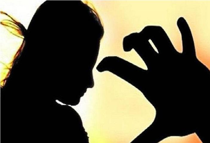 یوپی: نابالغ کو یرغمال بنا کر کیا گینگ ریپ، چھیڑچھاڑ سے تنگ آکر لڑکی نے خود کو آگ لگالی
