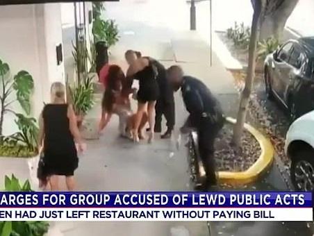 نشے میں چور 3 خواتین نے سڑک پر کی فحش حرکت، پولیس پر اٹھے سوال