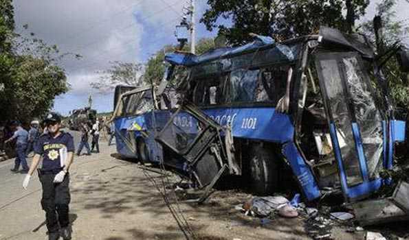 فلپائن میں بس حادثہ، 19 کی موت، متعدد زخمی