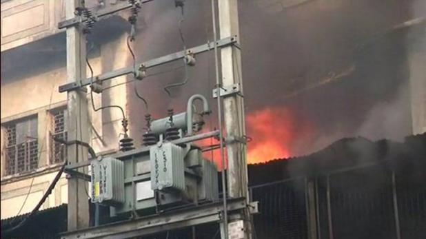 دہلی: پلاسٹک فیکٹری میں لگی آگ