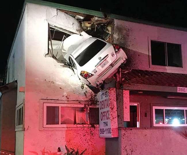 کار ہوا میں اڑتی ہوئی عمارت کی دوسری منزل میں جا گھسی