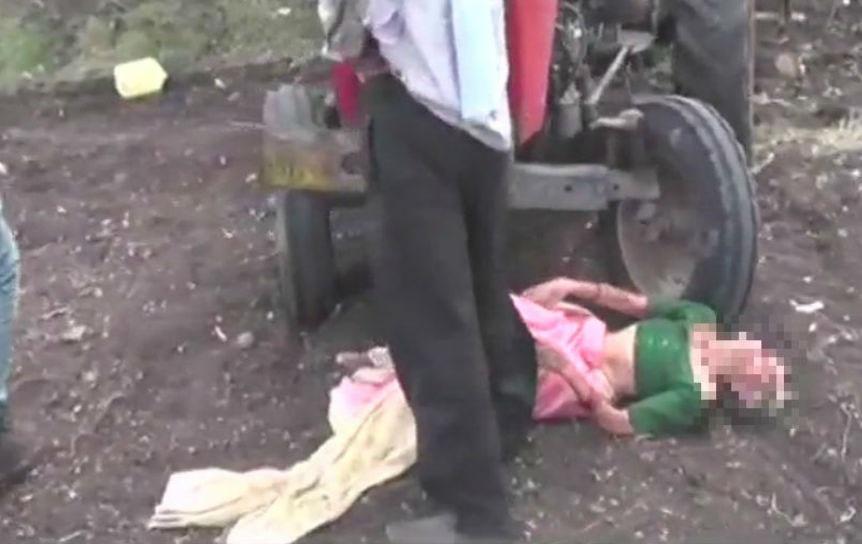 جائیداد کے لئے ماں پر ظلم، بیٹے نے بزرگ ماں کو کھیت میں ٹریکٹر کے آگے پھینک دیا