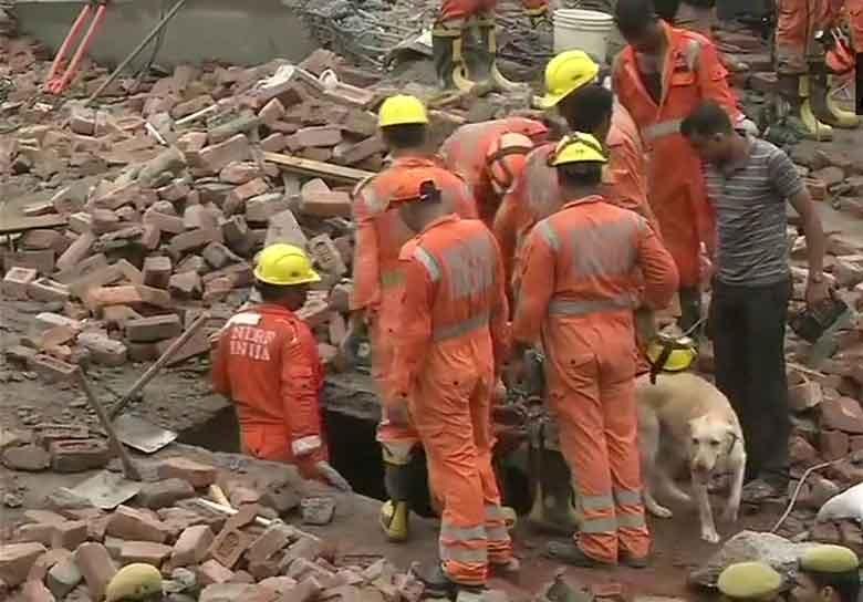 غازی آباد میں تعیمری پانچ منزلہ عمارت گری