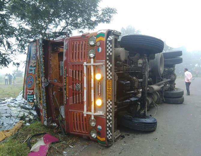 مہاراشٹر میں ٹرک حادثے میں 10 مزدور ہلاک، 20 دیگر زخمی
