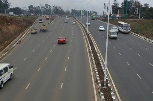 کینیا میں بس ٹرک کی ٹکر میں کم از کم 26 لوگوں کی موت