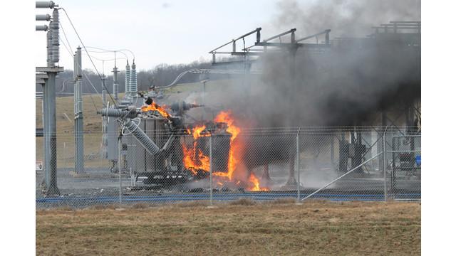 ہر دوئی میں پٹاخہ کی چنگاری سے ٹرانسفارمر ورکشاپ میں زبردست آگ لگی