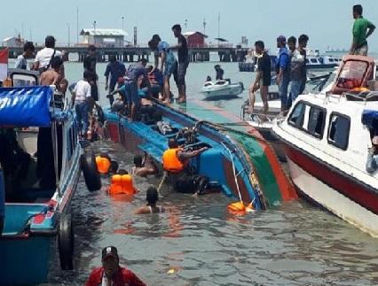 انڈونیشیا میں اسپیڈ بوٹ غرقاب، 10 افراد جاں بحق