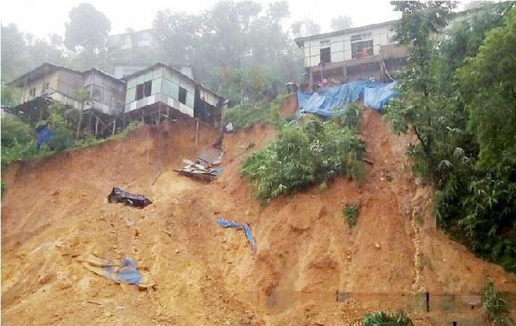 اتراکھنڈ:زمین کھسکنے سے ملبے میں ایک ہی خاندان کے کئی لوگ دفن