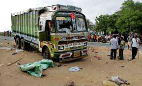 گجرات میں سڑک حادثہ : چھ  مزدوروں کی موت، 8 زخمی