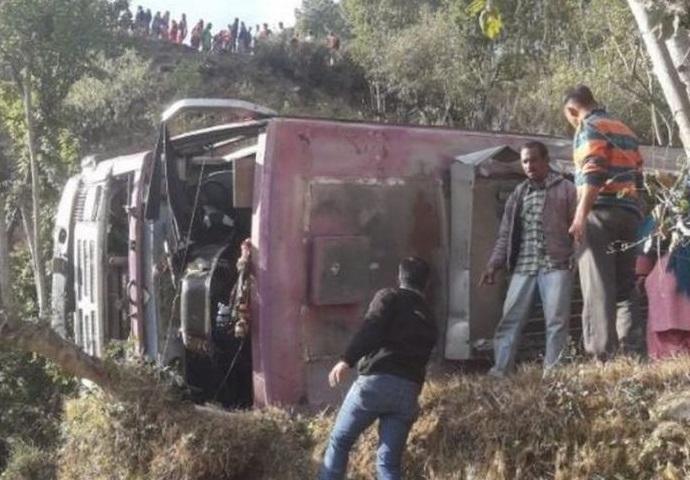ہماچل: وادی میں گری بس، ایک کی موت، 32 زخمی