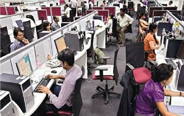 فیس بک Facebook کو چاہئے 20 ہزار گریجویٹ امیدوار،تنخواہ 4 لاکھ روپے