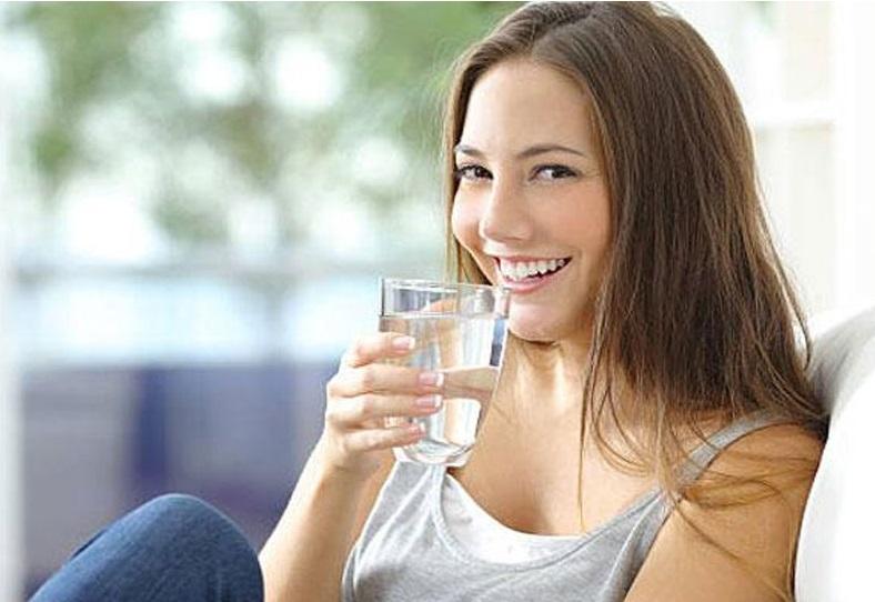 زیادہ پانی پینے سے جسم میں ہوسکتی ہے پریشانی