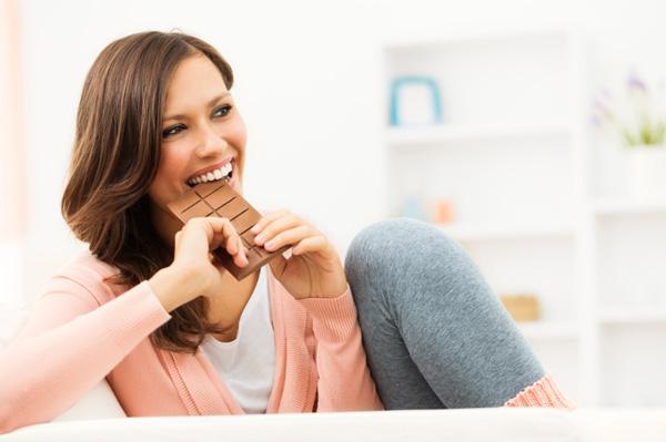 دل کی بے ترتیب دھڑکن کے خطرے کو چاکلیٹ دور کرتی ہے