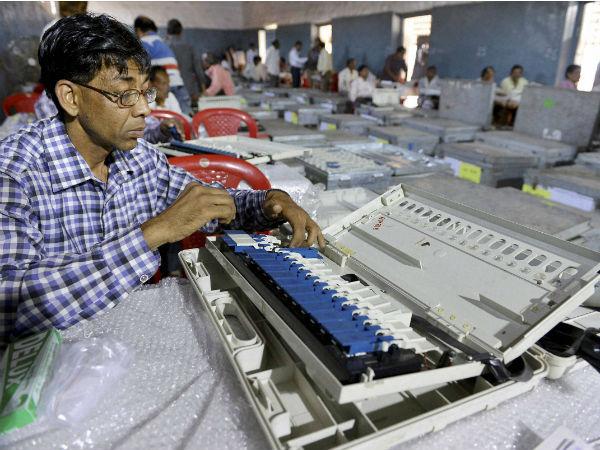 کرناٹک اسمبلی انتخابات کے ووٹوں کی گنتی شروع