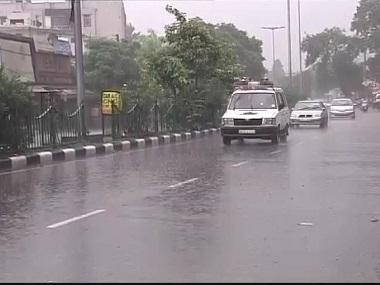 دہلی میں ہلکی بارش سے فضائی آلودگی میں کمی، ہوا کی کوالٹی میں بہتری
