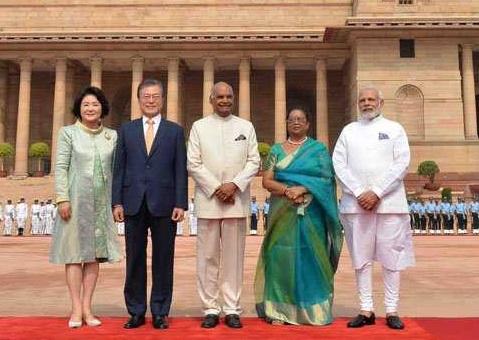 راشٹر پتی بھون میں جنوبی کوریا کے صدر مون جے ان کا استقبال