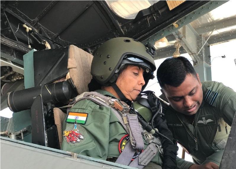 وزیر دفاع نرملا سیتا رمن نے سخوئی میں پرواز کی