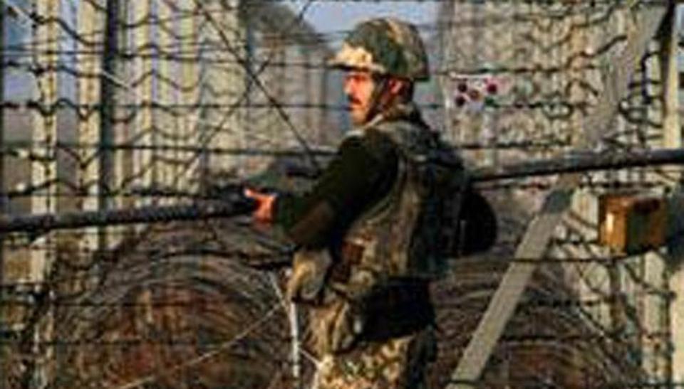 بین الاقوامی سرحد پر پھر گولیوں کی گھن گرج، 4 شہری زخمی، 727 سرحدی رہائشی محفوظ مقامات پر منتقل