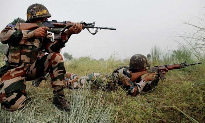 کپواڑہ کے کرناہ  سیکٹر  میں پاکستانی فوج کی گولی باری