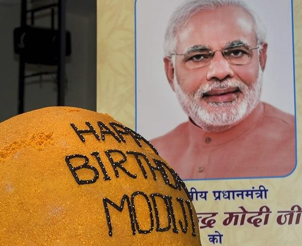 مودی کو راہل، کووند اور کیجروال نے دی سالگرہ کی مبارکباد