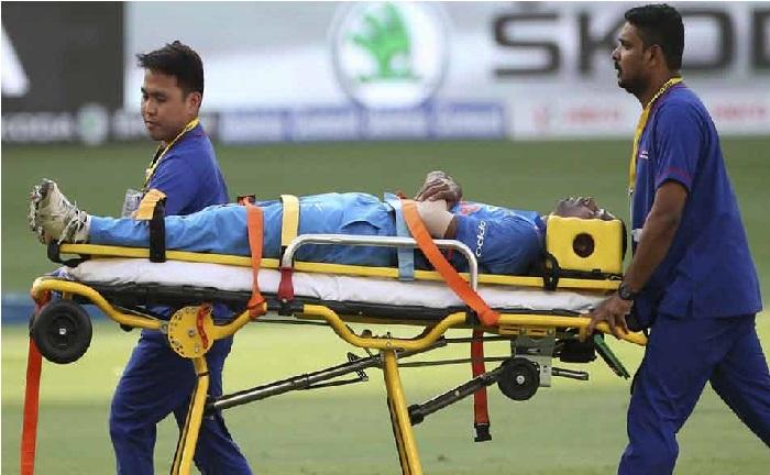 ایشیا کپ 2018: ہاردیک پانڈیا کو لگی چوٹ، اسٹریچر پر میدان سے باہر لے جایا گیا