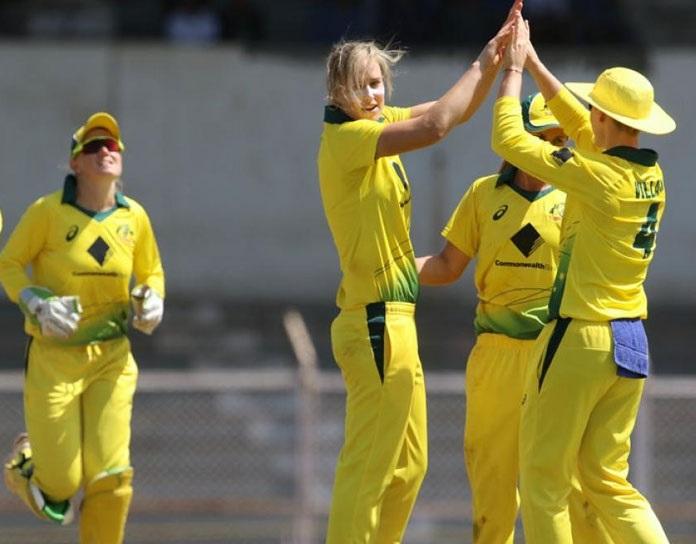 آسٹریلیا سے پھر ہاری ہندوستانی خواتین ٹیم ، پہلے ٹی 20میں میس 6 وکٹ سے ملی شکست