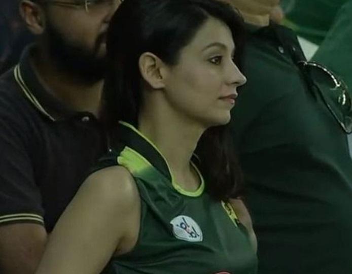 پاکستان کی شکست کے بعد سوشل میڈیا پروائرل ہوئی یہ لڑکی