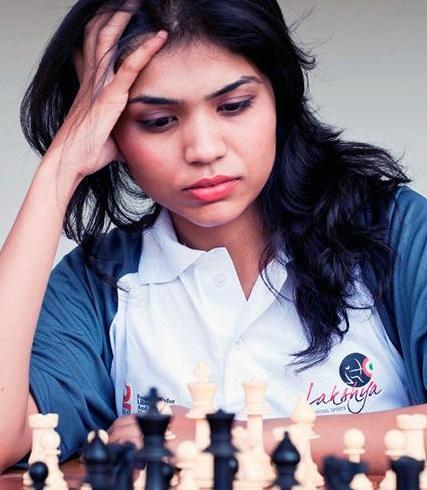 ایرانی ٹورنامنٹ سے شطرنج کھلاڑی سومیا سوامی ناتھن نے نام واپس لیا: حجاب پہننے سے انکار