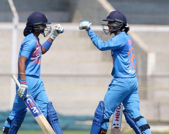 خواتین ایشیاء کپ: پاکستان کو 7 وکٹ سے شکست دے کر فائنل میں پہنچی ٹیم انڈیا