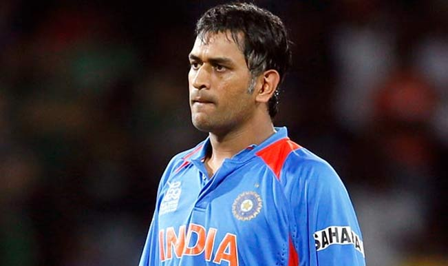 شکست کے ساتھ ٹیم انڈیا کا گیم اوور، دھونی سخت مایوس، گیندبازوں پر جم کر برسے