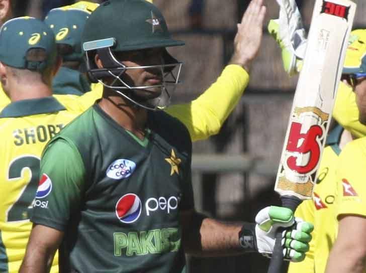 ایشیا کپ: 200 ونڈے کھیل چکے محمد حفیظ پاکستان کی ٹیم سے باہر، انضمام کے بھتیجے کو موقع