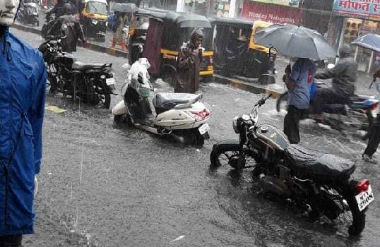 ممبئی میں آفت کی بارش سے لوگوں کا جینا مشکل، اگلے 5 دنوں کے لیے الرٹ جاری