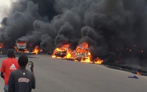 نائیجیریا میں آئل ٹینکر میں آگ، 9افراد ہلاک