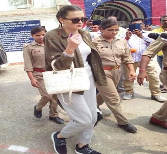 گورکھپور جیل سے یوکرئن کی ماڈل ہوئی رہا، فرضی پاسپورٹ سے پہنچی تھی ہندوستان