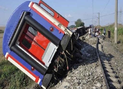 ترکی میں ٹرین پٹری سے اتری، 10 کی موت