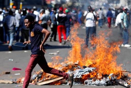 زمبابوے:الیکشن کے بعد کشیدگی، ہرارے کی سڑکیں خالی کرا لی گئیں
