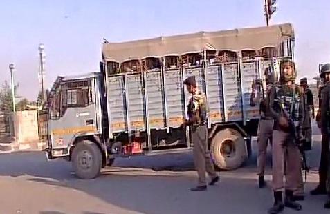 سری نگر میں سی آر پی ایف کی گاڑی پر دہشت گردوں نے کی فائرنگ، سب انسپکٹر شہید