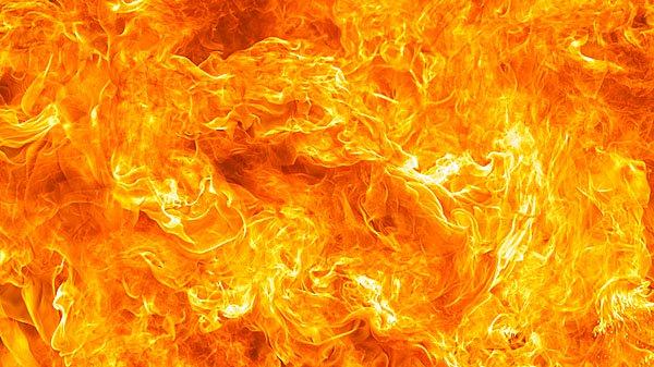 انڈونیشیا میں تیل کے کنویں  میں آگ،  دس ہلاک