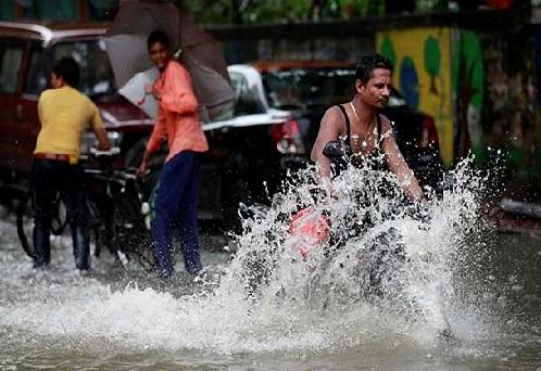 مسلسل بارش سے ممبئی میں عام زندگی متاثر