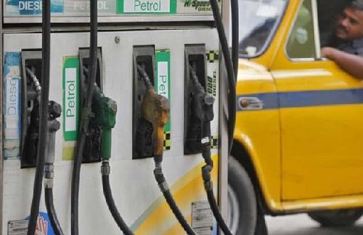 کیا آہستہ آہستہ 100 روپے فی لیٹر ہوگا پٹرول